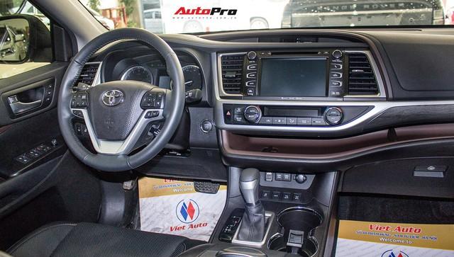 Toyota Highlander Limited 2017 về Việt Nam, giá cao hơn Land Cruiser chính hãng - Ảnh 13.