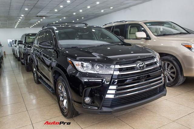 Toyota Highlander Limited 2017 về Việt Nam, giá cao hơn Land Cruiser chính hãng - Ảnh 3.