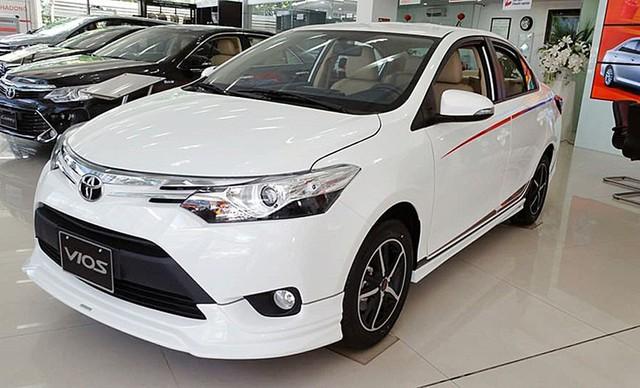 10 xe bán chạy nhất tháng 1/2018: Mazda3 bám đuổi gắt gao vua doanh số Toyota Vios - Ảnh 1.