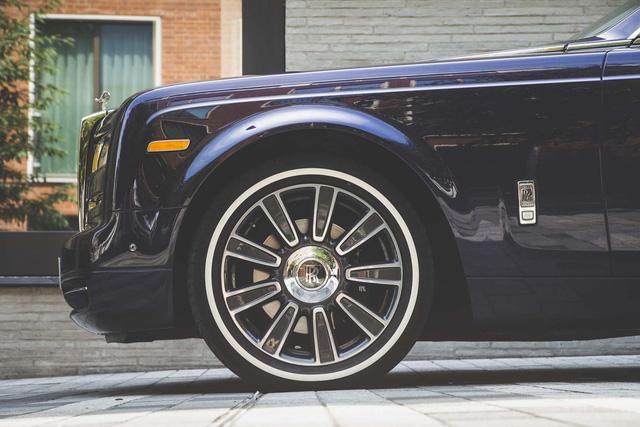 Lời trần tình của tài xế Rolls-Royce Phantom sau ngày đầu tiên đưa đón giới nhà giàu - Ảnh 2.