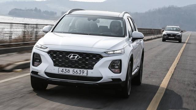 Những trang bị trên Hyundai Santa Fe quốc tế mà bản full option tại Việt Nam đã bị cắt bỏ - Ảnh 3.