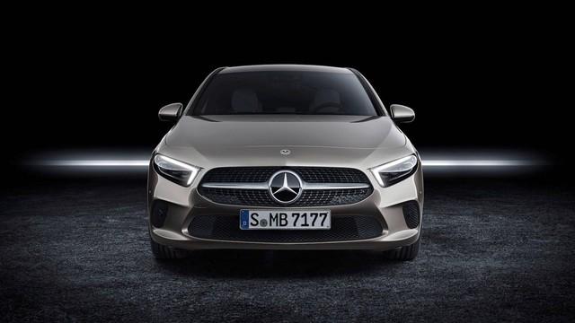 Mercedes-Benz A-Class úp mở thiết kế lưới tản nhiệt mới - Ảnh 2.