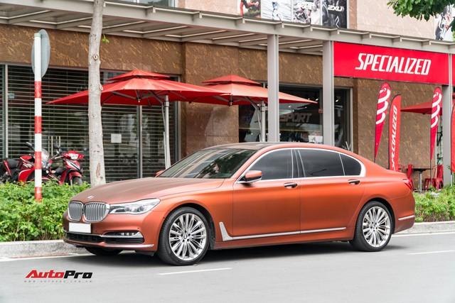"""BMW 750Li """"fake"""" màu hiếm của đại gia Sài Gòn - Ảnh 2."""