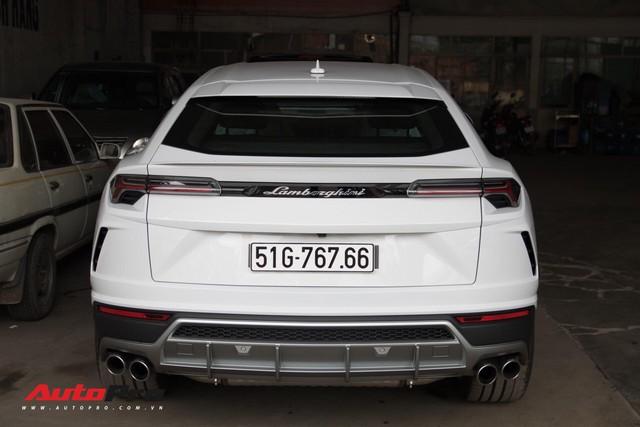 Siêu SUV Lamborghini Urus đầu tiên Việt Nam của Minh Nhựa ra biển lộc - Ảnh 1.