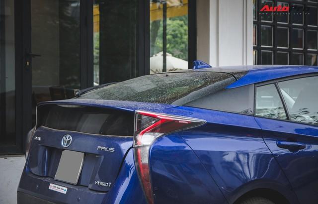 Bắt gặp mẫu xe hybrid bán chạy nhất toàn cầu tại Việt Nam - Ảnh 3.
