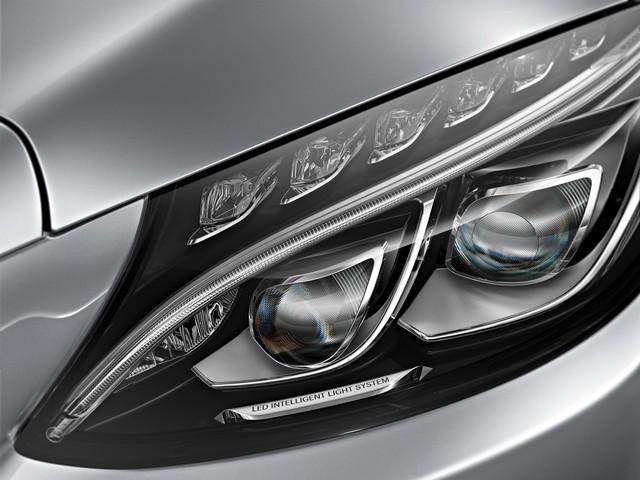 Vì sao Mercedes-Benz C-Class là sedan hạng sang bán chạy nhất Việt Nam? - Ảnh 5.
