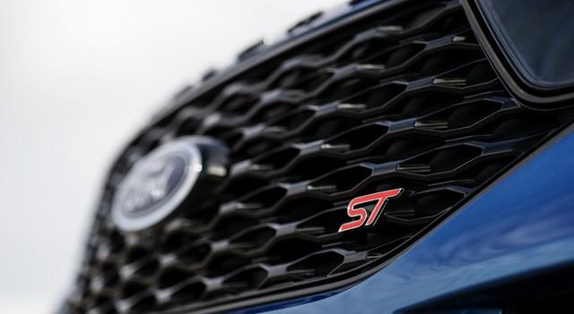 Ford trình làng Explorer ST - SUV mạnh nhất lịch sử thương hiệu - Ảnh 10.