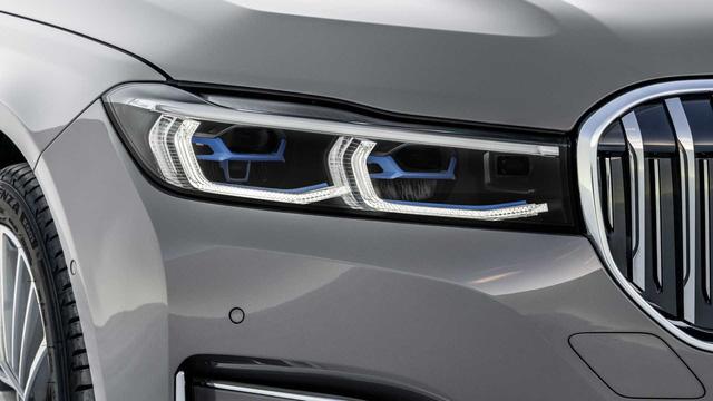 BMW 7-Series chính thức ra mắt - thách thức Mercedes-Benz S-Class - Ảnh 4.