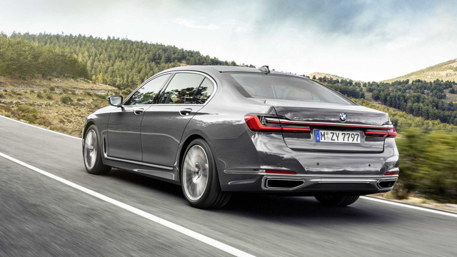 BMW 7-Series chính thức ra mắt - thách thức Mercedes-Benz S-Class - Ảnh 8.