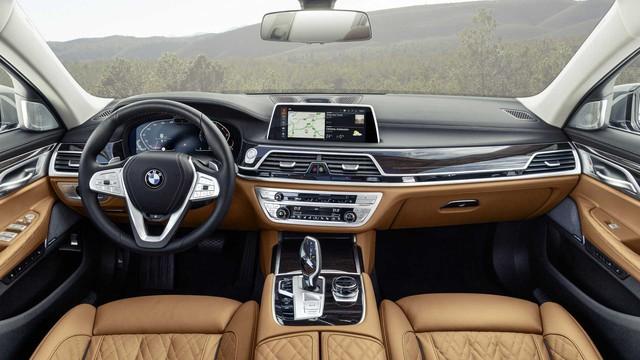 BMW 7-Series chính thức ra mắt - thách thức Mercedes-Benz S-Class - Ảnh 2.