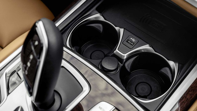 BMW 7-Series chính thức ra mắt - thách thức Mercedes-Benz S-Class - Ảnh 14.