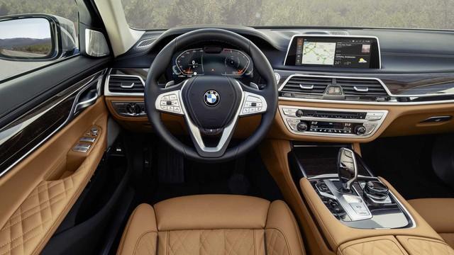 BMW 7-Series chính thức ra mắt - thách thức Mercedes-Benz S-Class - Ảnh 12.
