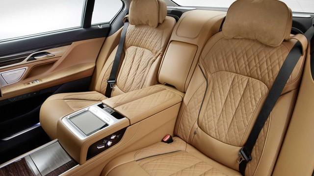 BMW 7-Series chính thức ra mắt - thách thức Mercedes-Benz S-Class - Ảnh 17.