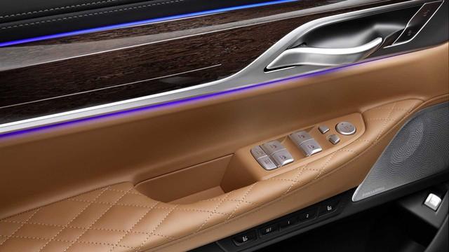 BMW 7-Series chính thức ra mắt - thách thức Mercedes-Benz S-Class - Ảnh 15.