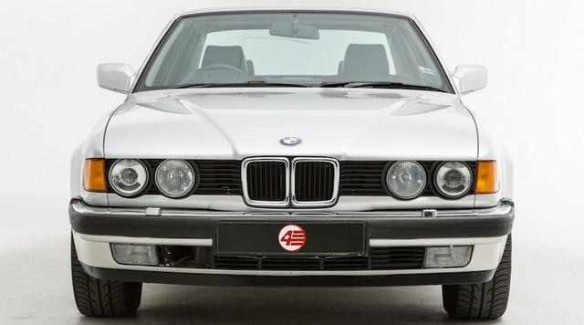 Nhìn lại thay đổi bộ mặt BMW 7-Series qua từng thế hệ: Đèn thu nhỏ còn lỗ mũi lớn dần - Ảnh 3.