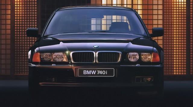 Nhìn lại thay đổi bộ mặt BMW 7-Series qua từng thế hệ: Đèn thu nhỏ còn lỗ mũi lớn dần - Ảnh 5.