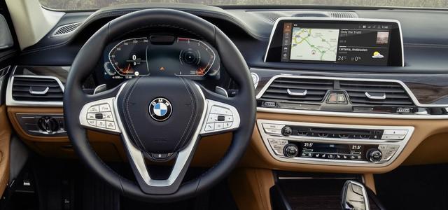 So găng thiết kế BMW 7-Series vs Audi A8 vs Mercedes-Benz S-Class - Ảnh 12.