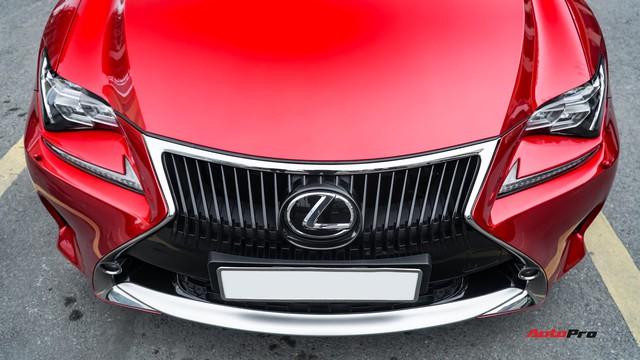Độc nhất sàn xe cũ, Lexus RC 200t treo giá 2,7 tỷ đồng - Ảnh 2.