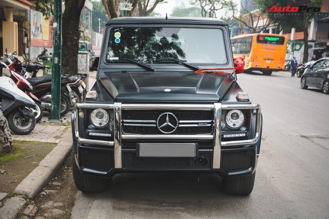 Mercedes-AMG G63 có màu sơn giá hơn 90 triệu đồng xuất hiện trên phố - Ảnh 2.