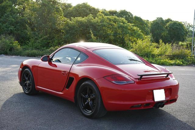 10 năm tuổi, Porsche Cayman chỉ đắt hơn Toyota Camry 150 triệu đồng - Ảnh 2.