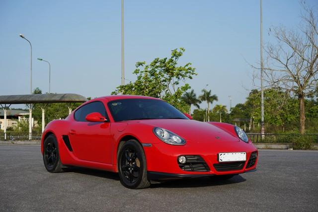 10 năm tuổi, Porsche Cayman chỉ đắt hơn Toyota Camry 150 triệu đồng - Ảnh 1.