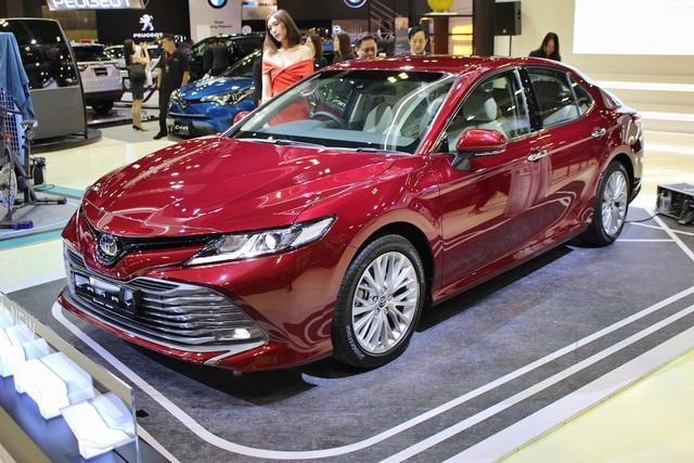 Toyota Camry 2019 rục rịch ra mắt tại Việt Nam dưới dạng nhập khẩu nguyên chiếc - Ảnh 1.