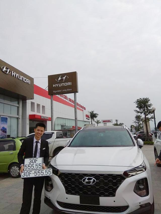 Bàn tay vàng trong làng bốc biển: Chủ xe Hyundai Santa Fe 2019 rinh biển ngũ quý 5 tại Hà Nội - Ảnh 2.