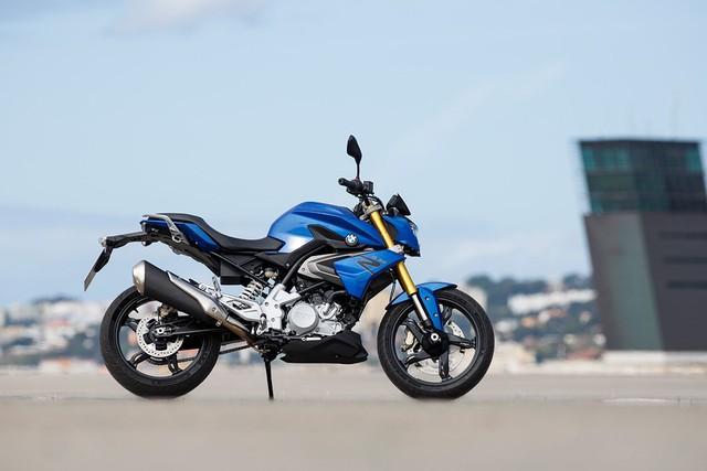 BMW Motorrad giảm giá hàng loạt mẫu xe ngay trước Tết, cao nhất 50 triệu đồng - Ảnh 1.