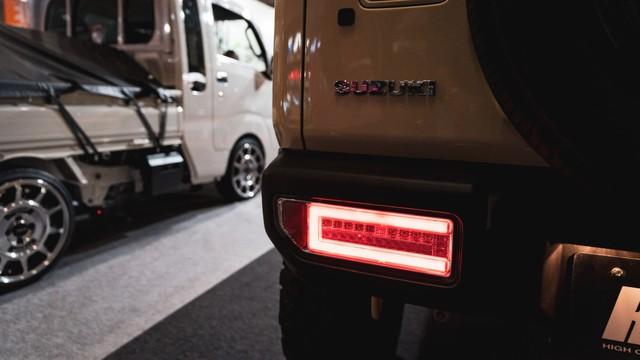 Mang ngoại hình như Mẹc G, Suzuki Jimny là xe mới được độ lại nhiều nhất - Ảnh 10.