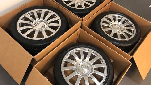 Rao bán 4 bánh xe Bugatti Veyron giá 100.000 USD: Đủ tiền mua hẳn một chiếc Mercedes S-Class mới coóng - Ảnh 1.