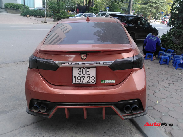 Thích sang như Porsche, thể thao như Ford Focus RS, mà vẫn ăn chắc mặc bền, chủ Corolla Altis tại Hà Nội độ xe theo phong cách lạ - Ảnh 2.