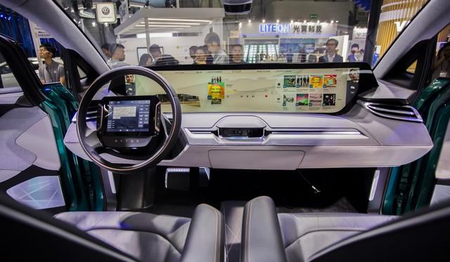 Màn hình cảm ứng tích hợp lên vô lăng - Hướng đi mới của nội thất xe - Ảnh 1.