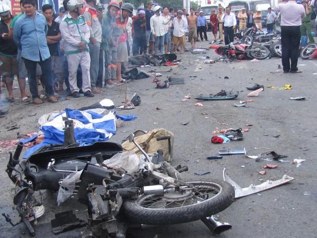 Vụ tai nạn kinh hoàng, 4 người chết ở Long An: Tài xế dương tính với ma túy khai gì? - Ảnh 1.