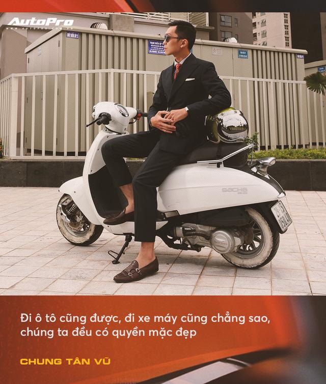 Anh chàng thích mua xe cũ, hay hỏng vặt, hiếm phụ tùng nhưng chuyên mặc vest tại Hà Nội: Đừng nghĩ đi ô tô mới được mặc đẹp Tết này - Ảnh 1.