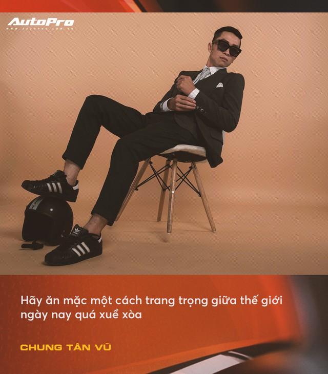 Anh chàng thích mua xe cũ, hay hỏng vặt, hiếm phụ tùng nhưng chuyên mặc vest tại Hà Nội: Đừng nghĩ đi ô tô mới được mặc đẹp Tết này - Ảnh 5.