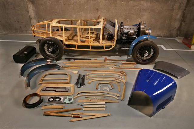 Khai quật bộ sưu tập Bugatti triệu đô của nghệ sĩ nghèo - Ảnh 2.