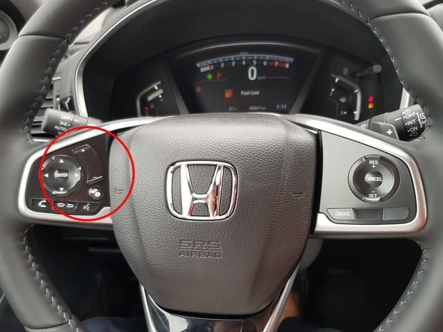 Giá tăng 10 triệu, Honda CR-V 2019 tại Việt Nam cắt tính năng cảm ứng âm lượng trên vô-lăng - Ảnh 1.