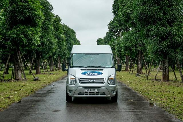 Ford Transit 2019 giảm giá, tăng thời gian bảo hành, cạnh tranh Hyundai Solati - Ảnh 3.