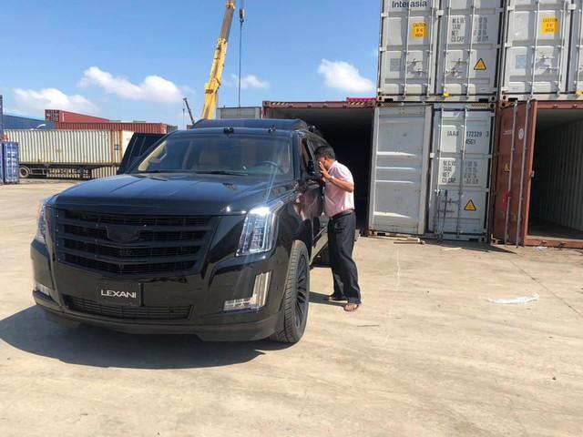 Chuyên cơ mặt đất Cadillac Escalade độ Lexani hàng độc, gắn TV 48 inch lên đường về Việt Nam - Ảnh 4.