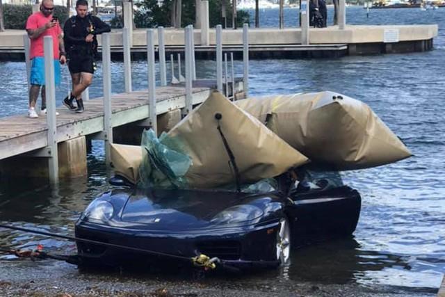 Ferrari 360 lao xuống biển, được giải cứu thành công nhưng khó tránh khỏi số phận hẩm hiu - Ảnh 5.