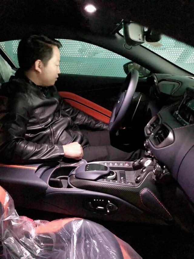 Aston Martin V8 Vantage đầu tiên Việt Nam về tay đại gia sở hữu Lamborghini Aventador S - Ảnh 3.