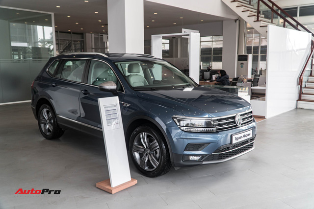 Chờ Touareg, VW Việt Nam dồn sức cho Tiguan Allspace và Passat - Ảnh 1.