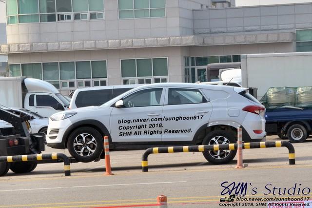 Tờ giấy nhỏ dán trên chiếc xe giống Tucson 2019 tiết lộ điều bất ngờ về một mẫu Hyundai mới - Ảnh 4.