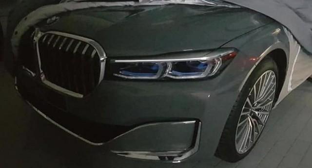 BMW 7-Series lộ hàng với tản nhiệt khổng lồ - Ảnh 2.