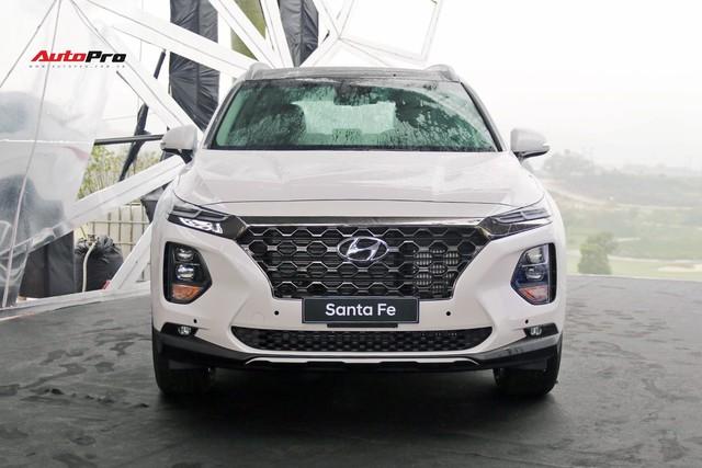"""Xe Hyundai """"cháy"""" hàng trước Tết, giá tăng từ vài chục đến cả trăm triệu đồng tại đại lý - Ảnh 3."""