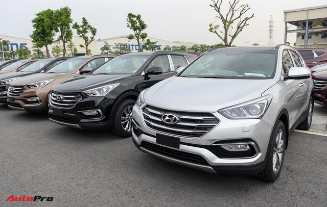Hyundai Santa Fe đời cũ bán thế nào tại Việt Nam trước khi bản 2019 ra mắt? - Ảnh 1.