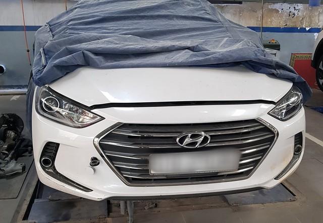 Xôn xao clip nữ nhân viên đại lý xe ô tô Hyundai vén váy, tranh cãi gay gắt với khách hàng - Ảnh 6.