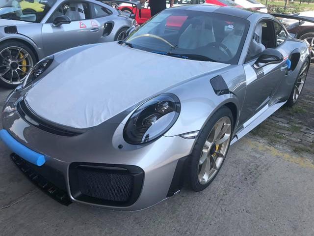 Siêu xe mạnh nhất của dòng Porsche 911 chính thức cập bến Việt Nam - Ảnh 1.