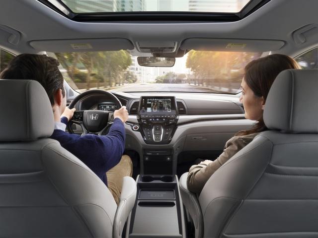 Honda Odyssey lần đầu lộ diện phiên bản mới, cạnh tranh Kia Sedona - Ảnh 3.