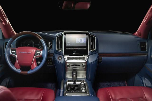 Toyota Land Cruiser độ xuất sắc: Dùng ghế BMW 7-Series, nội thất ngang chuẩn Lexus - Ảnh 3.